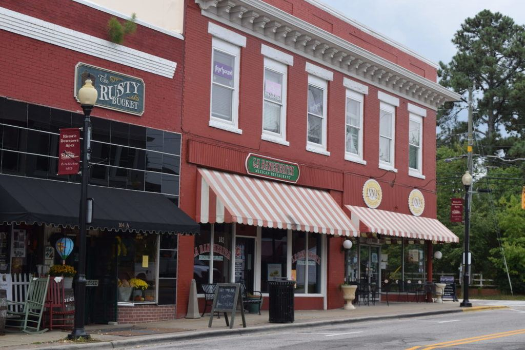 downtown apex restaurants: la racherita and anna's pizza street view